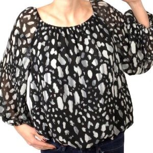 Vince Camuto Small Flowy Peasant style Blouse (C6)